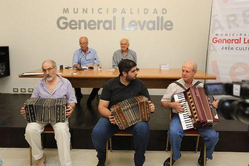 SAL Y TAMARINDOS, Ricardo Martinelli presentó su nuevo libro